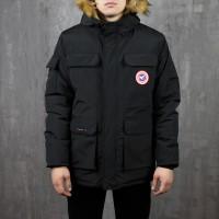 Мужская черная куртка с мехом